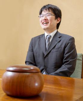 棋士(囲碁九段) 山下敬吾さん
