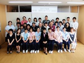 公文式「学習療法」を共通言語に学び合う高齢者介護施設